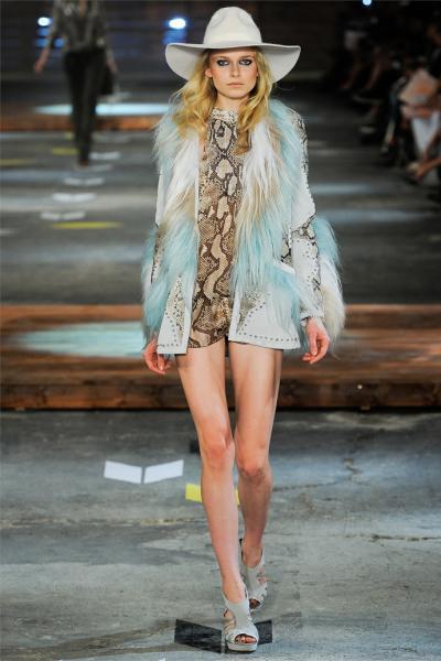 модный тренд прозрачная ткань