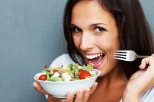 Как научиться меньше есть